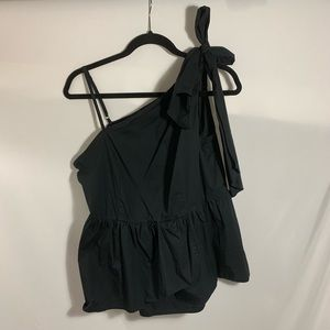 WHO WHAT WEAR sleeveless black blouse